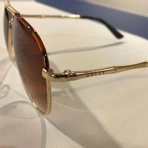 Beautiful gold bamboo frame G.G. sunglasses